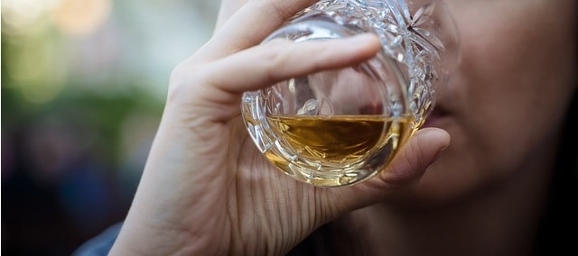 What Does Whiskey Taste Like Or Delicious Explained Whisqiy Com